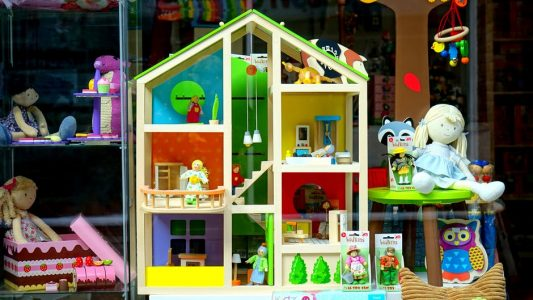 Build Your ECommerce Empire By Selling Toys Online: Here's How